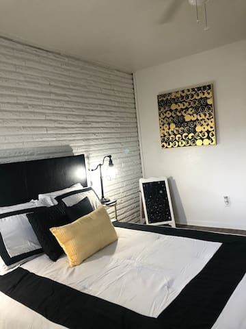 Free of Extra Fees Downtown/Midtown