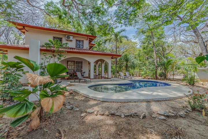 Easy family home w/ pool steps to surf & amenities