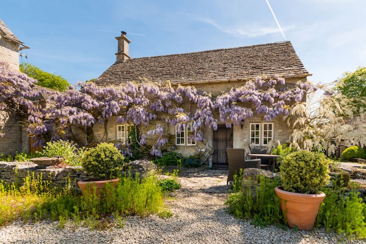 Private and special cottage..