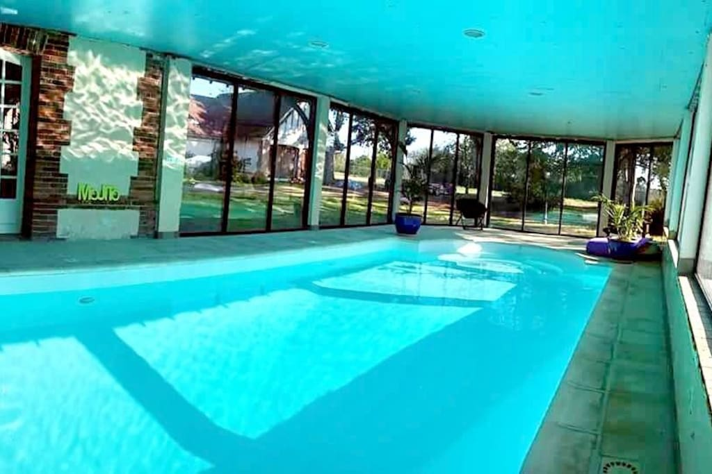 Loulou joy piscine int rieure chauffee billard - Location maison normandie piscine ...