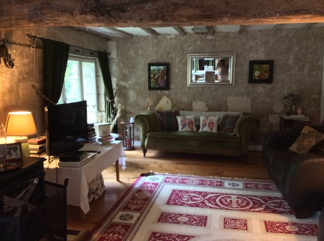 Converted Barn in Traditional Farm House