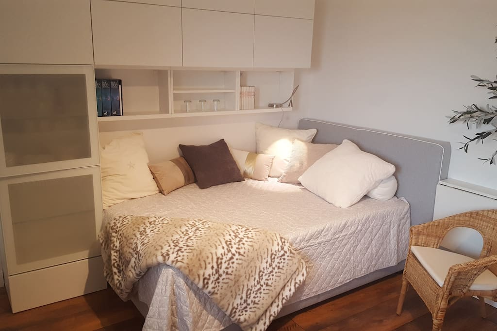 Boxspring bed 140 cm