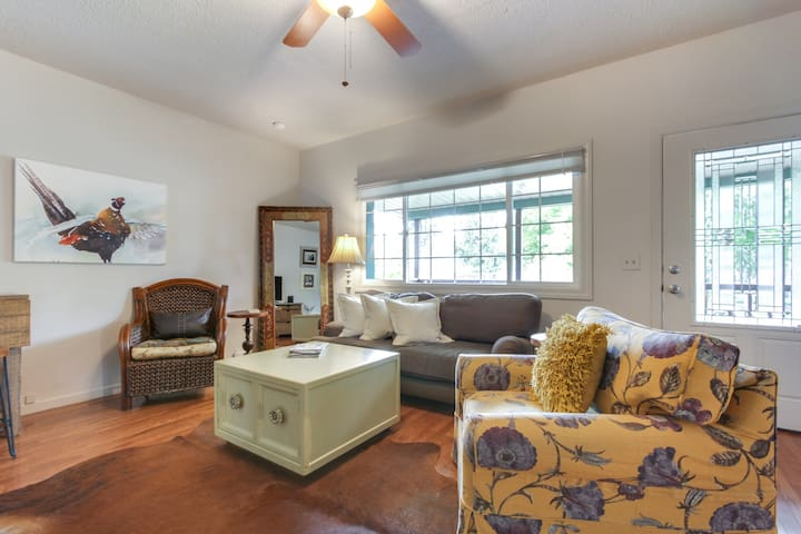 Lovely downtown home with gas fireplace and fenced backyard