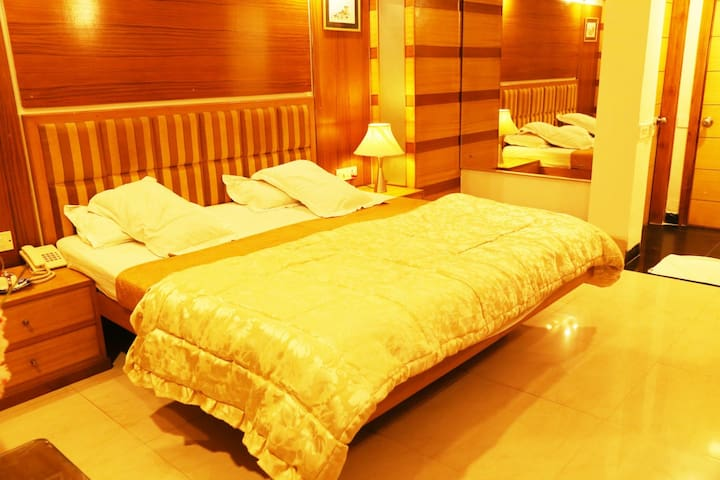 DELUXE ROOM NEAR CHANDIGARH