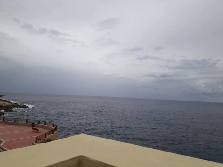 Xgħajra Seafront Studio Apartment
