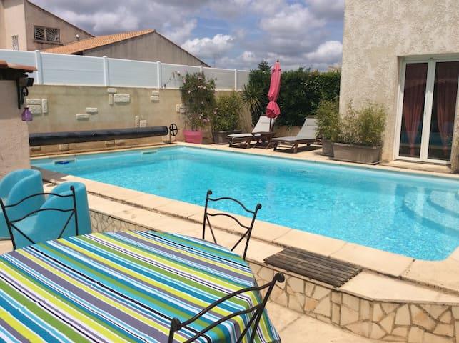 Jolie villa avec piscine privée - Mudaison - Casa