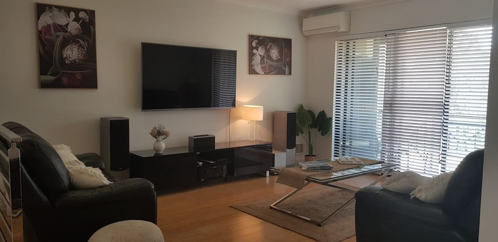 Modern 2 bedroom Unit