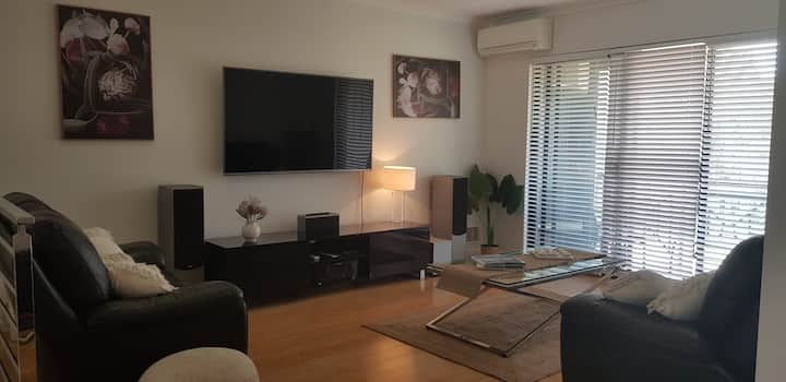 Modern 2 bedroom Unit