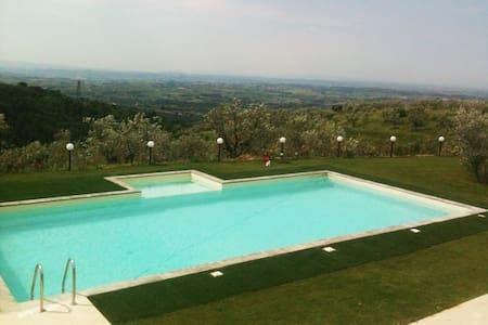 Beautifull Casa Rossa in Tuscany, near Florence - San Baronto - Dom