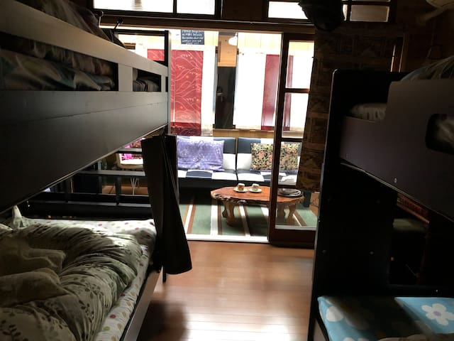 Private Room 2-4 guests GREAT LOCATION!!