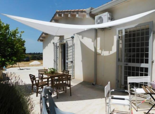 White house charme villa San Lorenzo Marzamemi