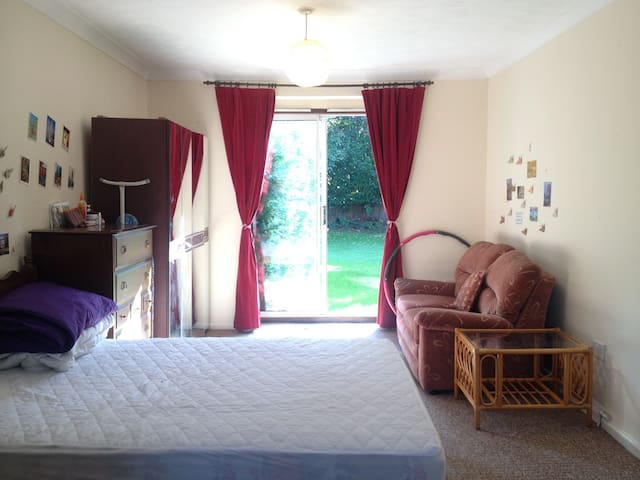 Sunny double room in Buckingham Road, Norwich
