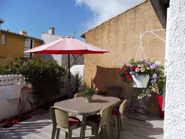 Beautiful occitan house on the beach of Cap d'Agde - Agde - Huis