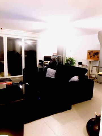 Espace salon + Table manger + Espace Bureau sur iMac session invité avec imprimante