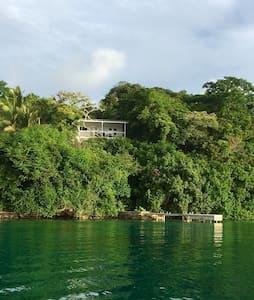Von Tak Lodge Waterfront House