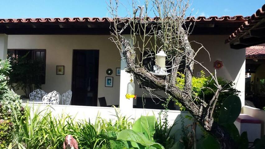 Casa de praia estilo campo em Nova Almeida, ES