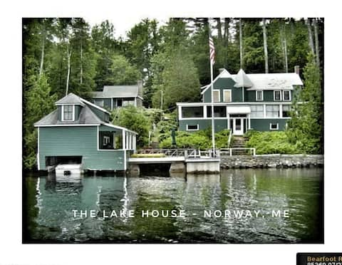 Lake Front 3 Season House with Private Deck