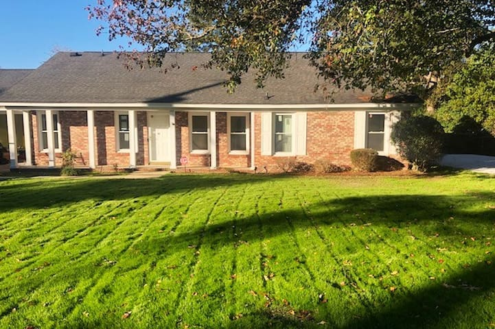 Beautiful Sumter Home with a Pool