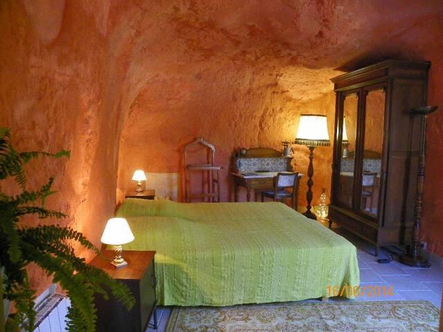 Gite troglo en Val de Loire ***