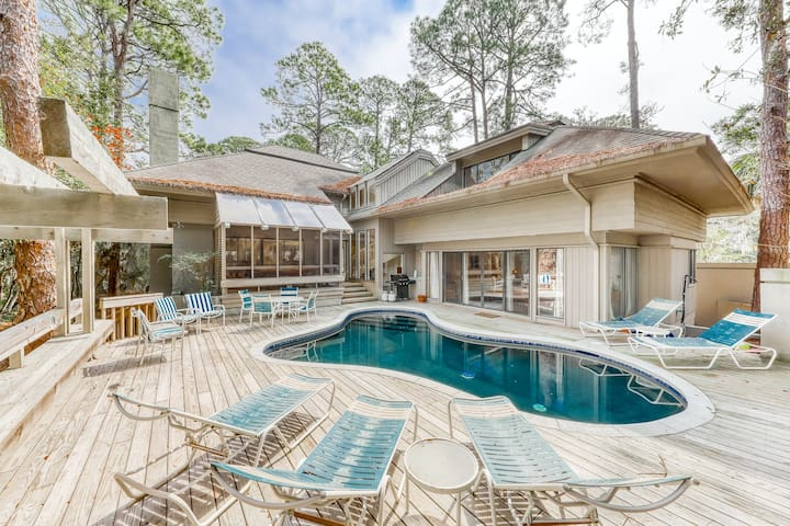 Gorgeous home by the beach with a private pool in Sea Pines Plantation