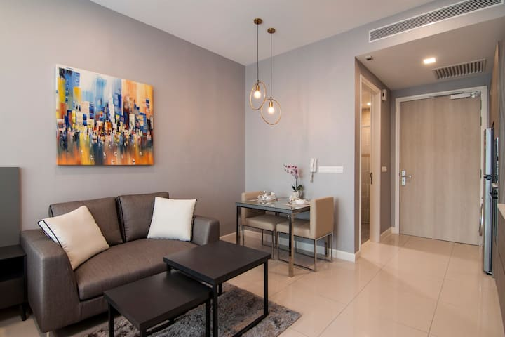 Luxurious Studio Apartment in Bangsar