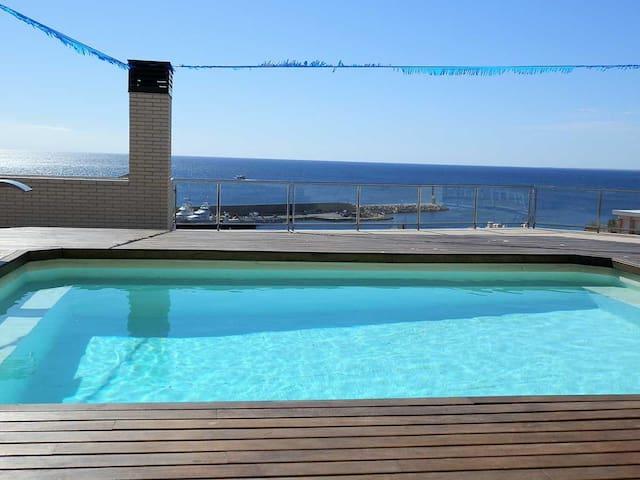 AP MIRADOR 1 ,Idéal pour vos vacances,proche de la mer,wifi gratuit,air climatisé,piscine communautaire,animeaux de compagnie autorisés,plage pour chiens