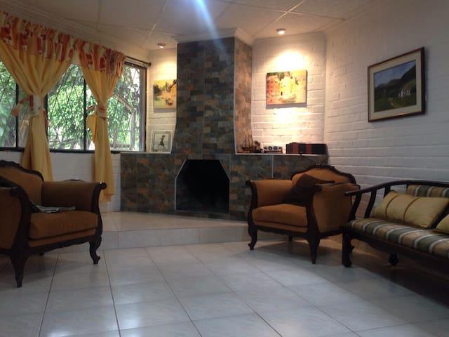 Hermosa Casa de Campo Baños Ecuador - Ambato - Villa