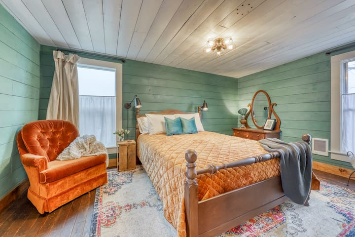Cozy room for two in restored, historic building