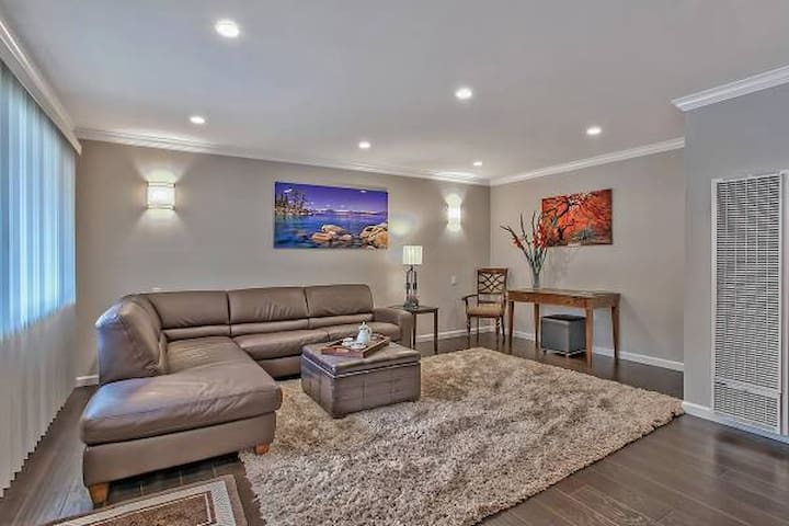 Remodeled 2 Br Condo