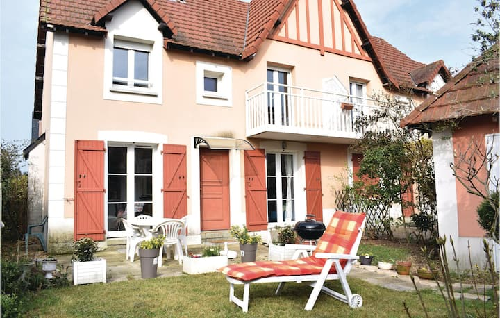 Awesome home in Dives-sur-Mer with WiFi and 2 Bedrooms