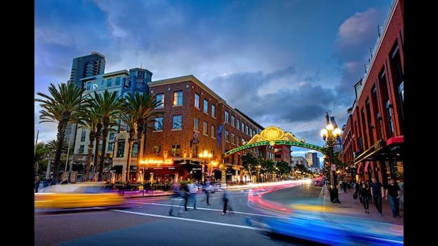 Marina District Downtown/Gaslamp Condo