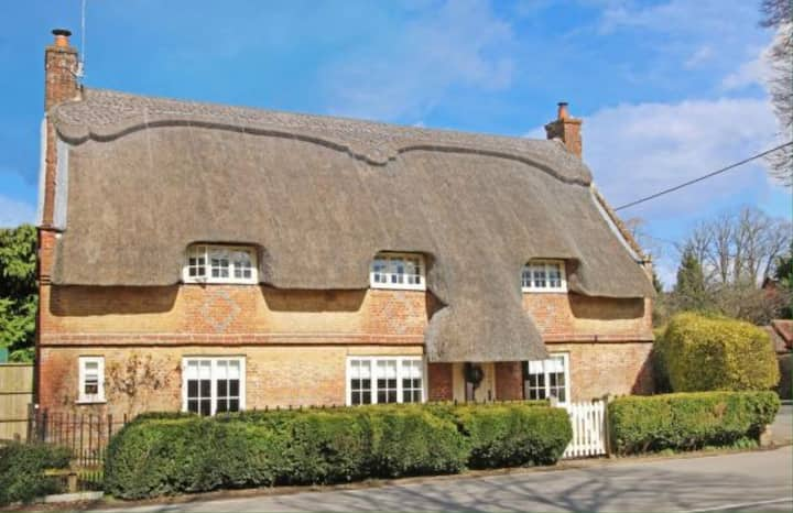 The Thatched Cottage, Cranborne