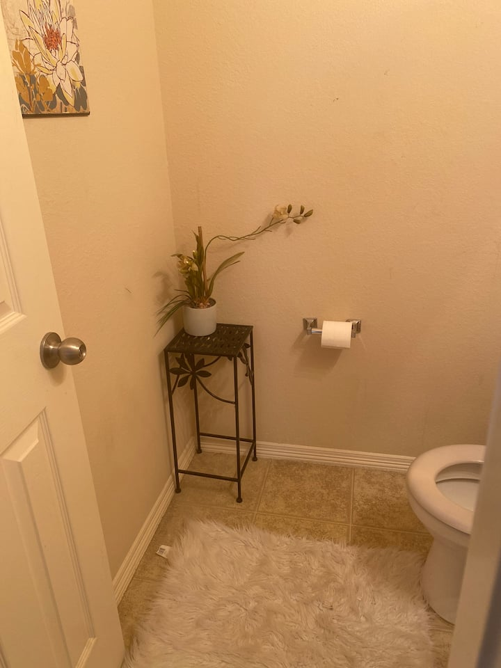 Spacious room rental with meal options BOOK NOW!!
