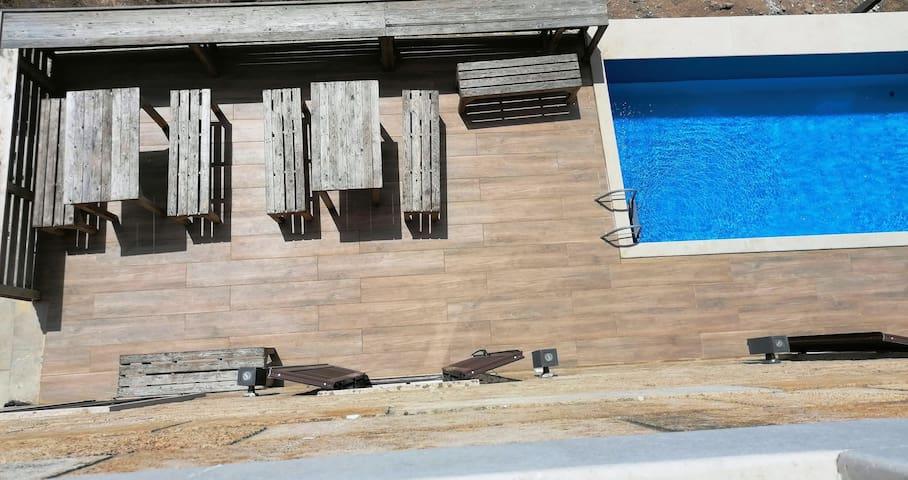Anfeh seafront villa + bungalow (Ô  Fleur De Sel)