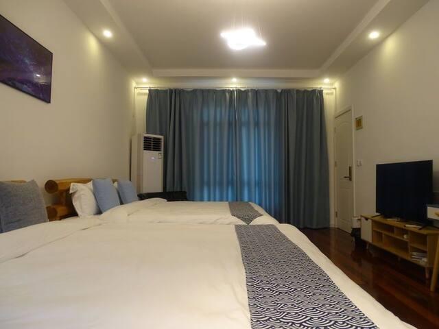 二楼晨曦两张1.8米大床