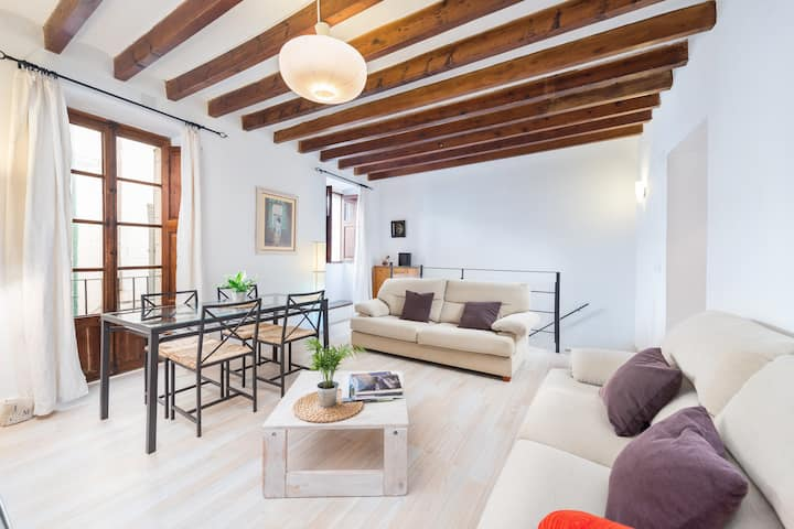 CASA MERCAT - Apartment for couples in Pollença. Free WiFi