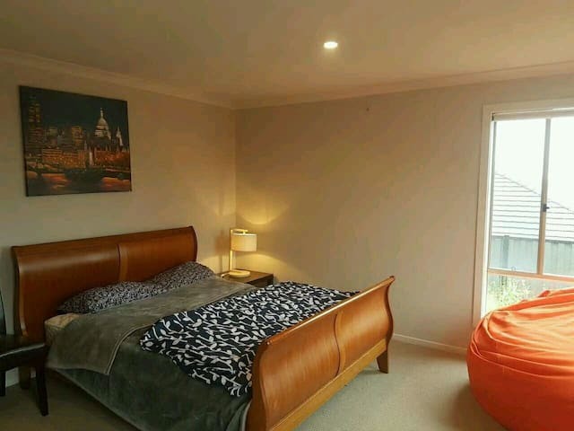 Big luxurious room in lovely house - Greenvale - Casa