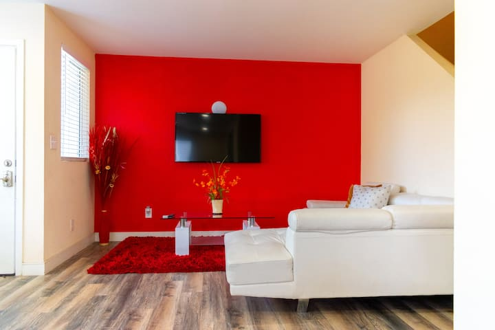 New 5 bedrooms 3bathrooms for big family by DT LA