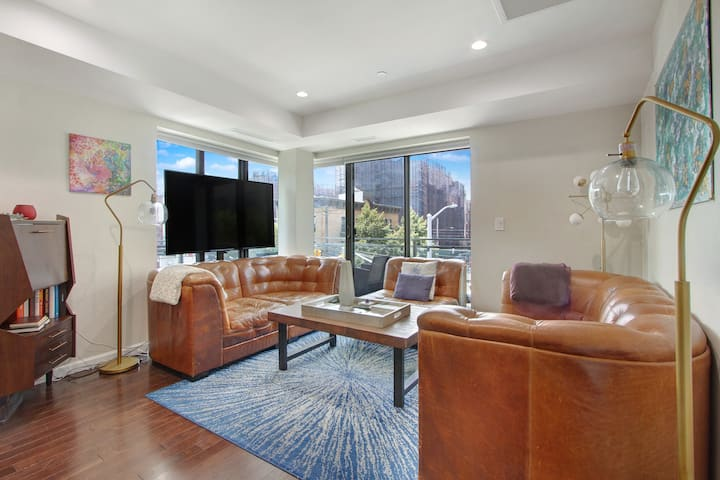Modern luxury w/ private patio and midtown views