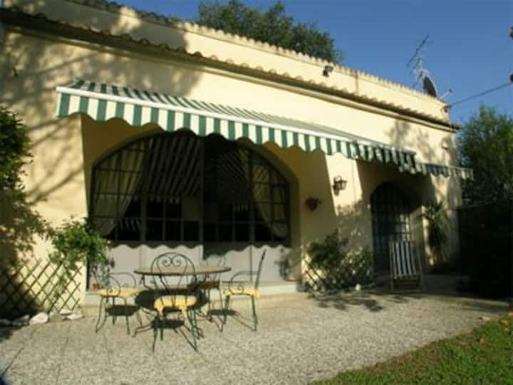 Private airconditioned Tuscan Cottage