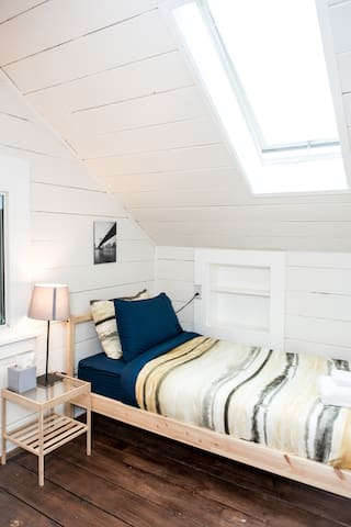 The Brooklyn Room - Shared Coed (Right Bed)