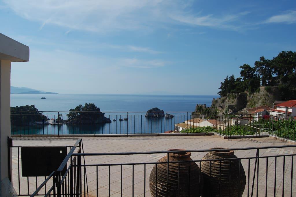 Θέα από την ταράτσα -view from the terrace