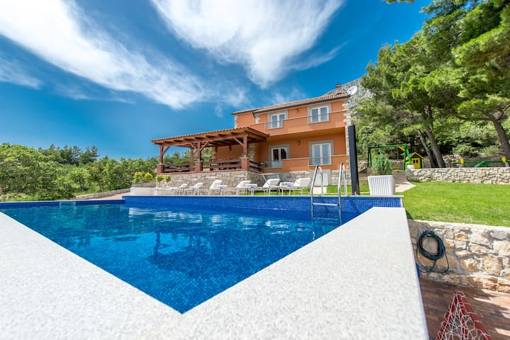 Villa Jozini trudi / Omiš,Lokva Rogoznica - Lokva Rogoznica - Villa