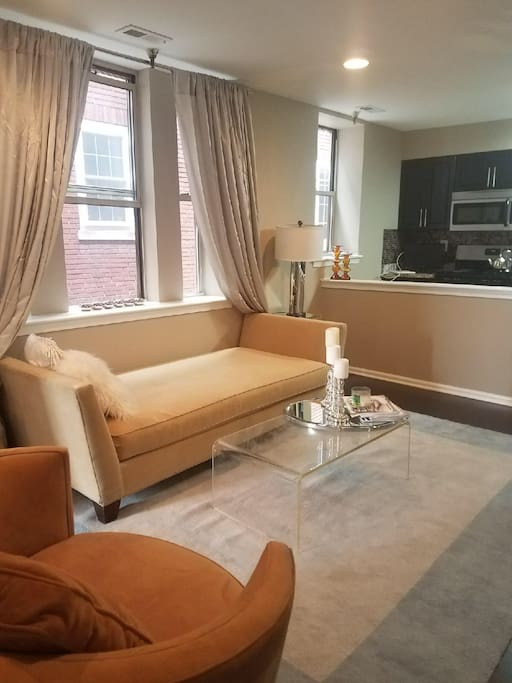 Renovated 2 bedroom university city apartment apartments for 3 bedroom apartments philadelphia