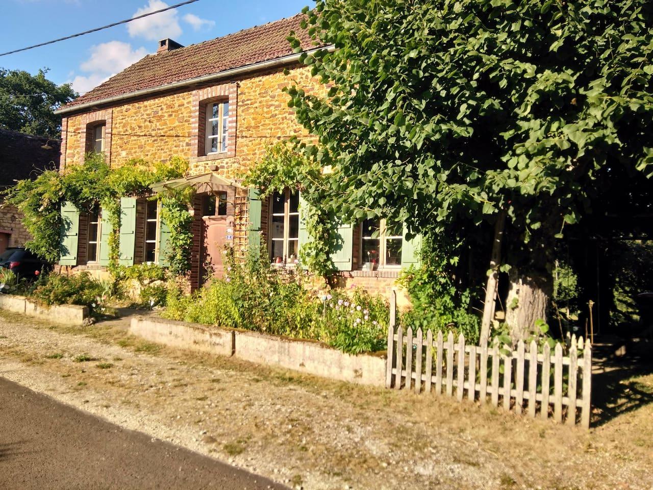 Photo de la maison depuis la route