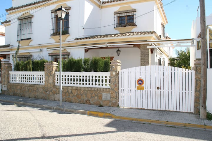 Garage, Air-Conditioning,Wifi, Regla Beach to 300m - Chipiona - Daire