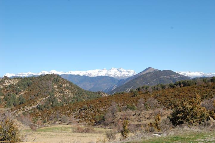 El Pirineo desde lo alto de Ascaso