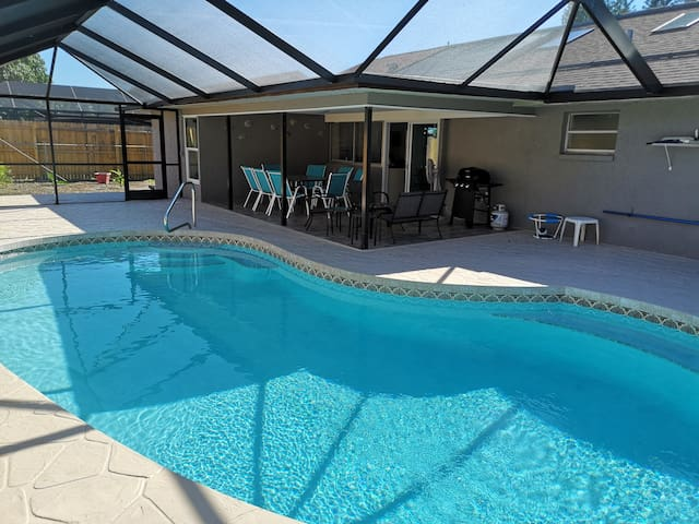 Beautiful 4BR home/pool, close Anna Maria Beaches