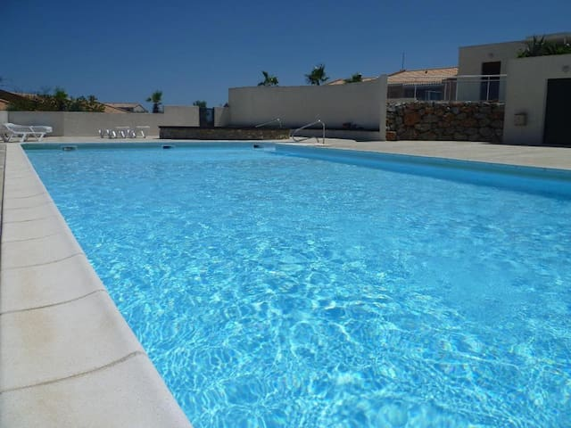 Villa Chat Noir 3 Bedroom sleeps 6. - Fitou - Casa