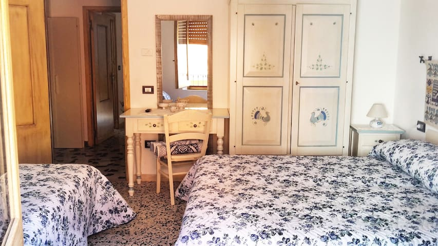 B&B Aria 'Ona, CAMERA AZZURRA - Villagrande Strisaili